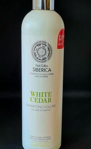 Шампоанът Natura Siberica Copenhagen White Cedar ефективно почиства кожата на главата, отлично измива косата и възстановява естествената й красота.