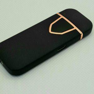 Луксозна запалка в черен цвят,захранваща се с USB