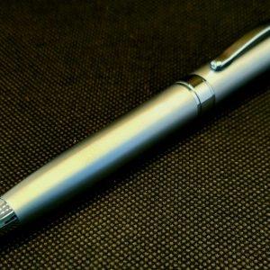 Луксозна писалка в сив цвят