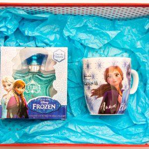 Комплектът съдържа: детска тоалетна вода, универсална чаша, стикери замръзналото кралство, опаковани в подаръчна кутия.
